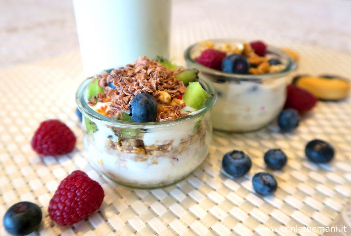 Yogurt fatto in casa? Come fare con e senza yogurtiera
